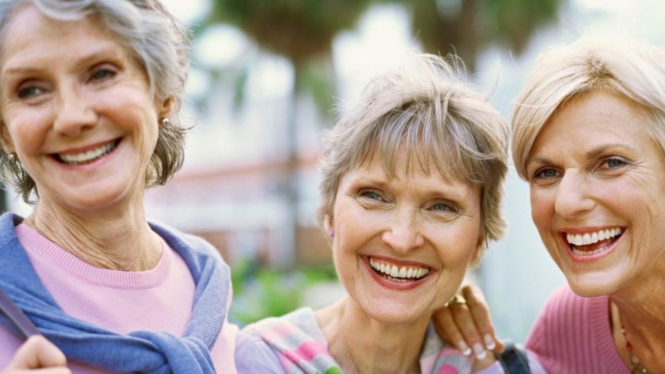 öreg hölgyek