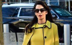 sárga ruhás nő